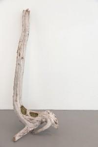 """""""Le Nid"""",2013, morceau de bois, billes, 150x40 cm"""