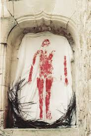 "Ana Mendieta, image de la série ""Silueta"",""Mexixo"", 1973, 12 épreuves chromogènes, 40,6x50,8, Ana mendieta Collection et Galerie Lelong, Paris."