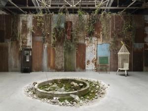 """Hirushi Sugimoto, vue de l'exposition """"Aujourd'hui le monde est mort"""", Palais de Tokyo, 2O14"""