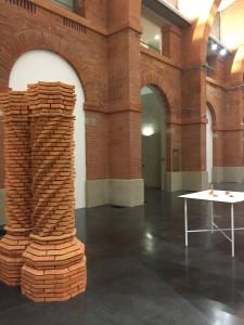 Vue de l'exposition.Raphaël Zarka, Le cénotaphe d'Archimède, 2011