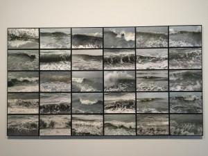 jacqueline Salmon, Vagues, Le Havre, 30 photographies, chacune 21 x315 cm