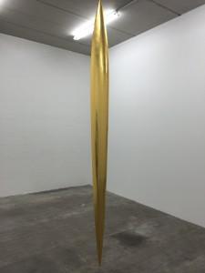 Lame, bois de samba, feuille d'or, vue de linstallation dans la galerie Laurent Godin.