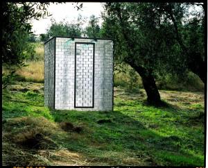 Gemelli, 1997, verre, acier, lumière, 255 x205x205 cm, Fattoria di Celle, Santomato di Pistoia.